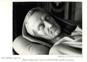 FOTO BUSTO MAUSOLEO JOSÉP XIFRÉ I CASAS, FOT ARXIU HISTÓRIC ARENYS